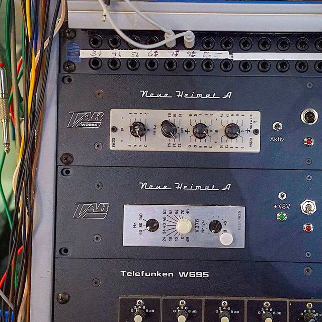 on top: Siemens w295b Equalizer which I use to enhance the top end when mastering. Below the lesser known TAB w376 preamp
